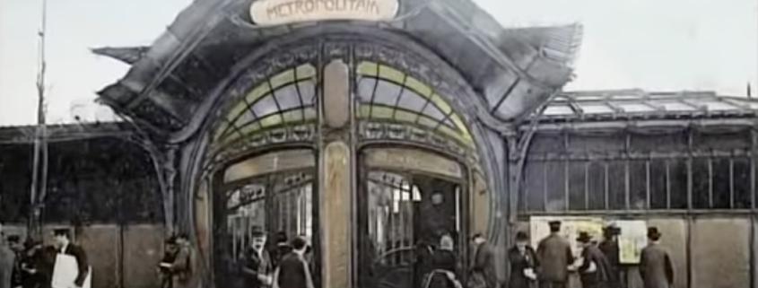 """Station Bastille, een prachtige """"pagode"""""""