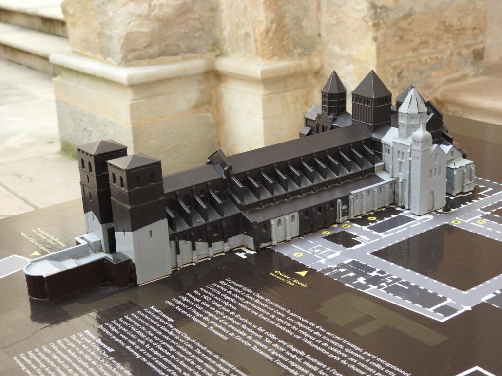 Maquette van het complex: grijs bestaat nog...