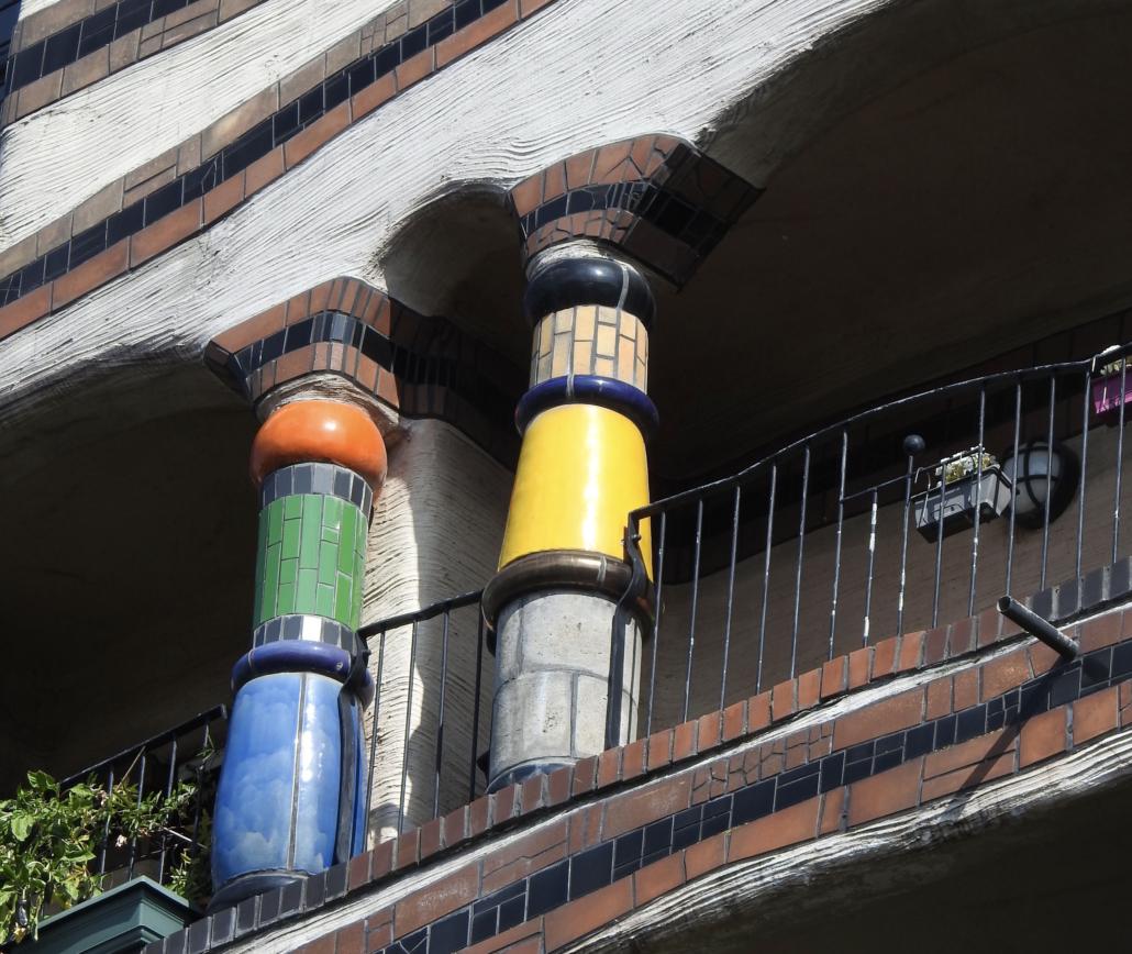 bij de blauwgroen, oranje of grijs gele?